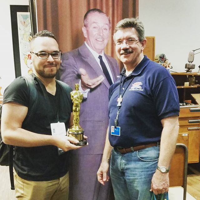 One in a life time opportunity to hold an Oscar from Walt Disney. Thanks #markhenn #disneyanimation