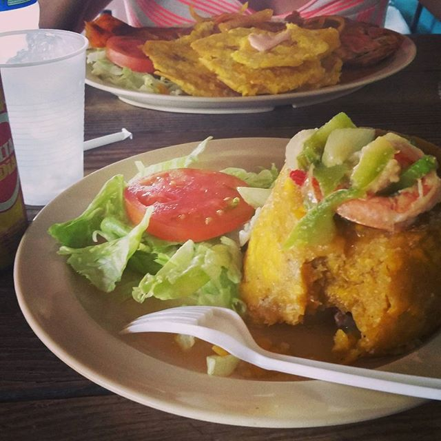 A comerrrrr!!!! Let's eat!!! Stepped out of the plane straight to eat some #mofongo #puertorico